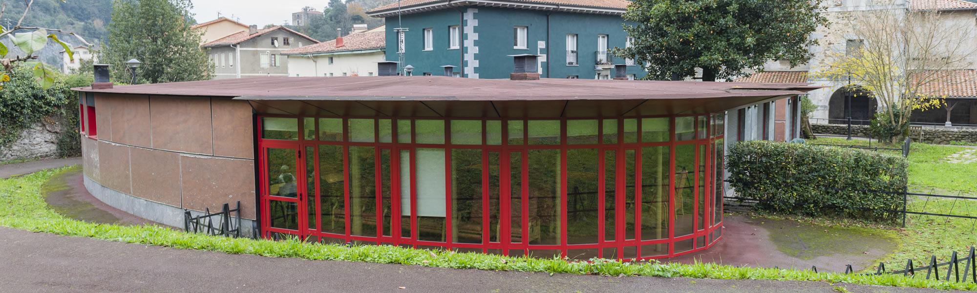 Zurekin centro para mayores - Vista del exterior