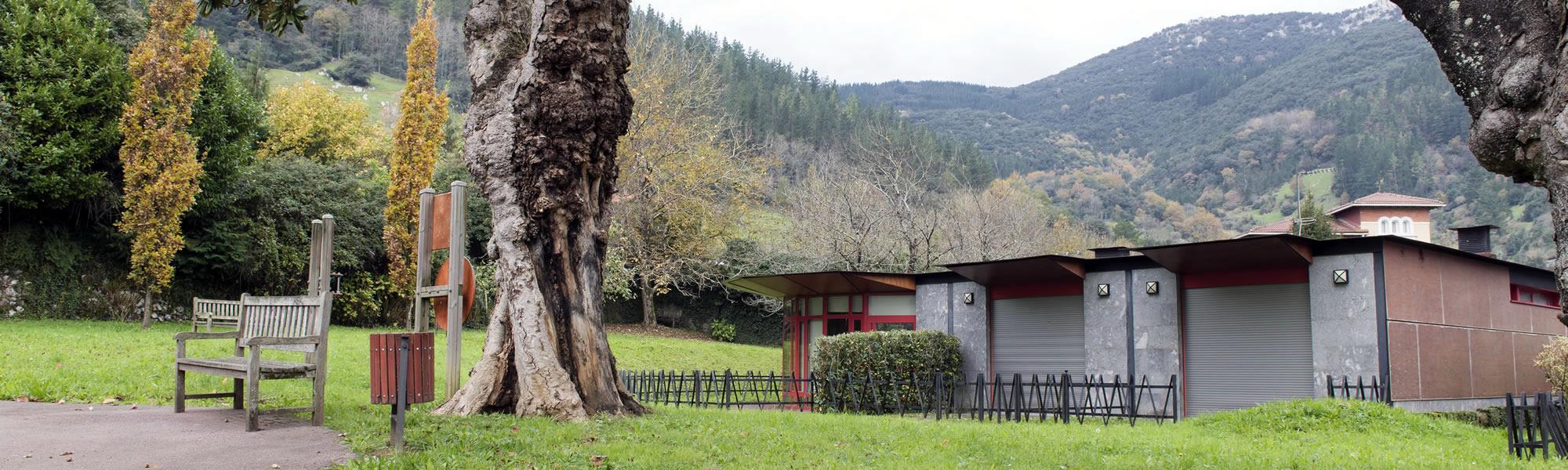 Zurekin centro para mayores - Parque exterior