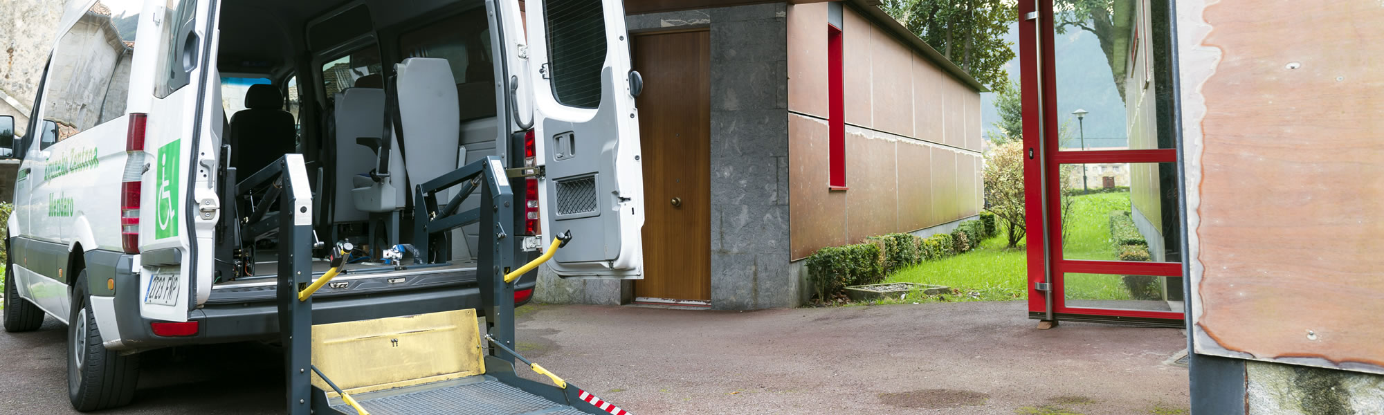 Zurekin centro para mayores - Transporte adaptado